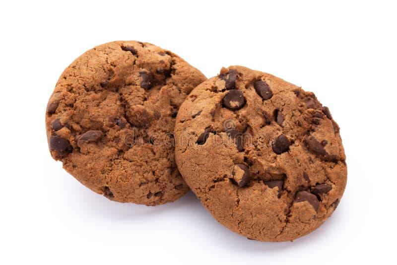 Bolinhos de microplaqueta de chocolate isolados no fundo branco Biscoitos doces Pastelaria caseiro fotos de stock royalty free