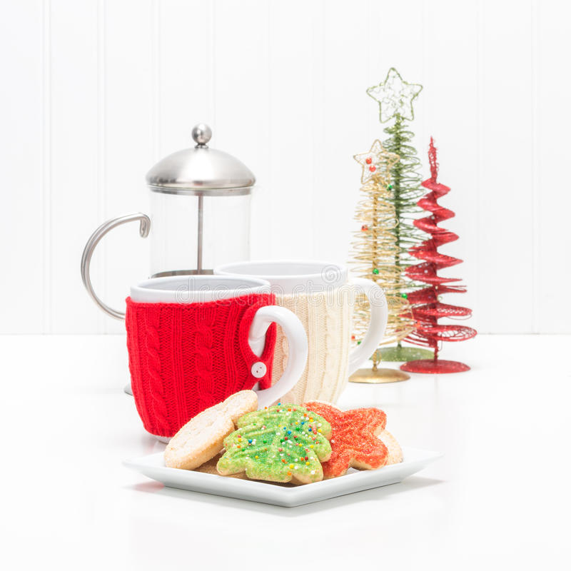Bolinhos e café do Natal imagens de stock