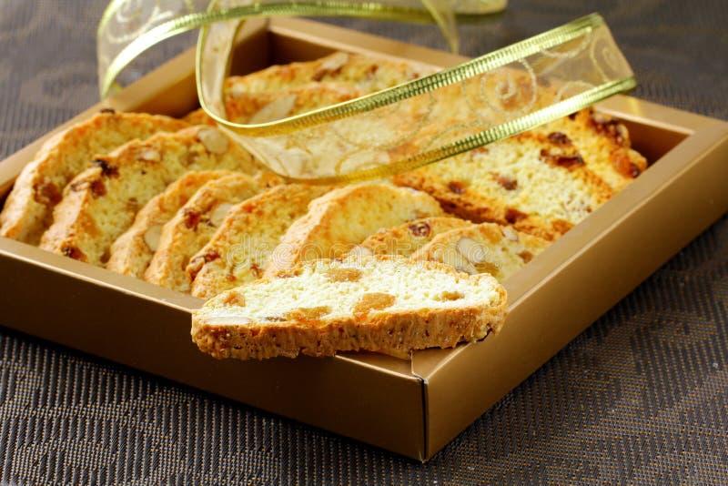 Bolinhos italianos tradicionais do biscotti fotografia de stock royalty free