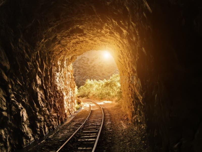 Bolivia - barrancos y túneles de Tupiza fotos de archivo libres de regalías