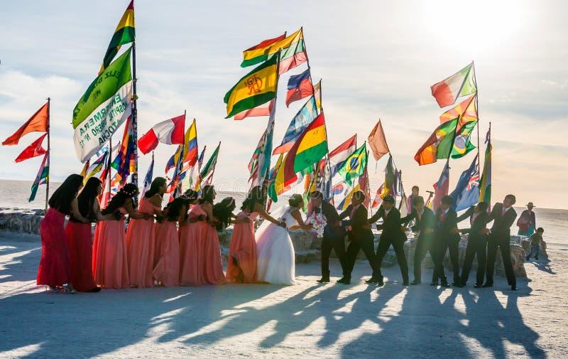 Bolivia - 20 de octubre de 2018: La procesi?n de la boda sucedi? en desierto foto de archivo libre de regalías