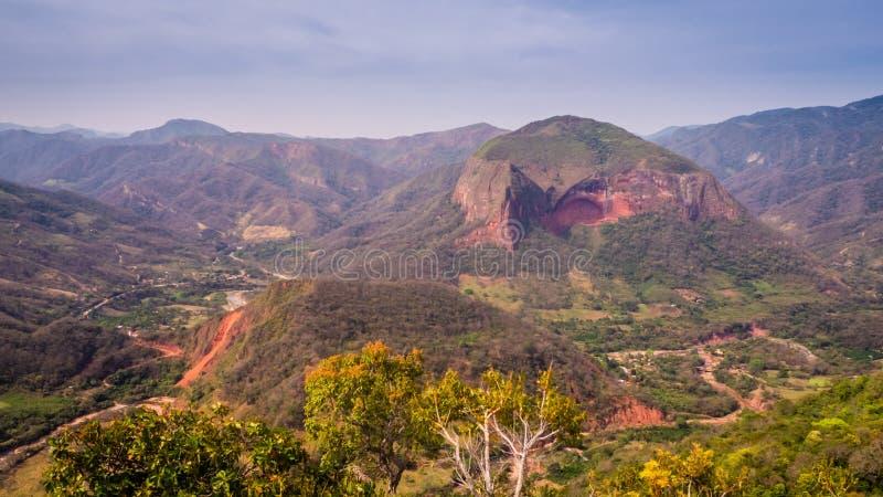 Bolivia, Samaipata, sceniska sikter och landskap av nationalparken royaltyfri foto