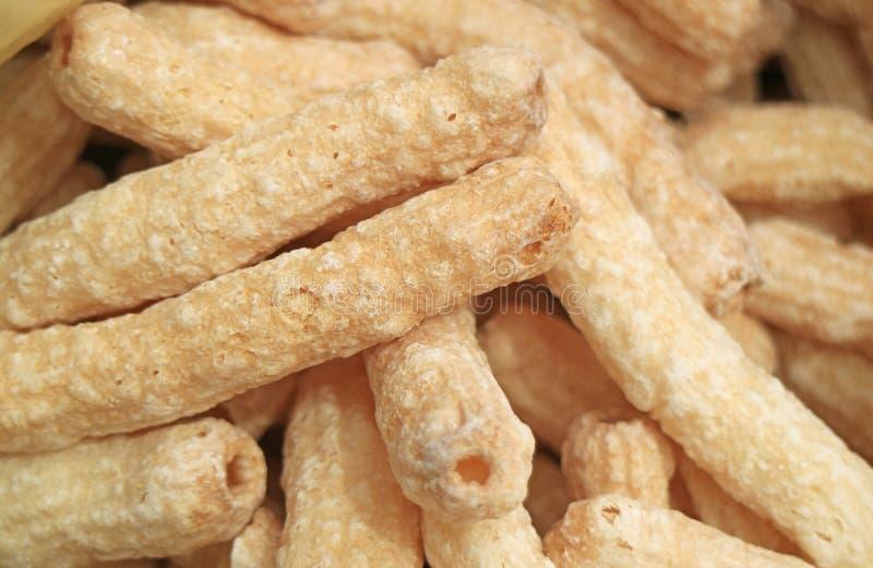 Boliviaans Sugar Coated Crispy Corn Snacks bij de Lokale Markt van Copacabana-Stad, Bolivië, Zuid-Amerika stock foto's