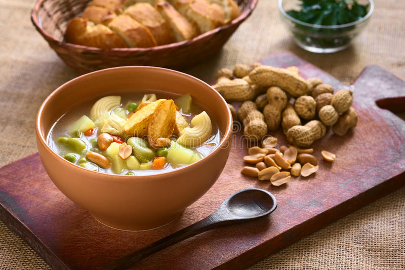 Boliviaanse Sopa DE Mani (Pindasoep) stock foto's