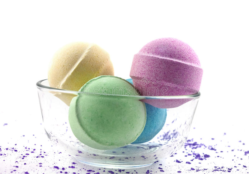 bollar badar den mångfärgade salt violeten royaltyfri fotografi