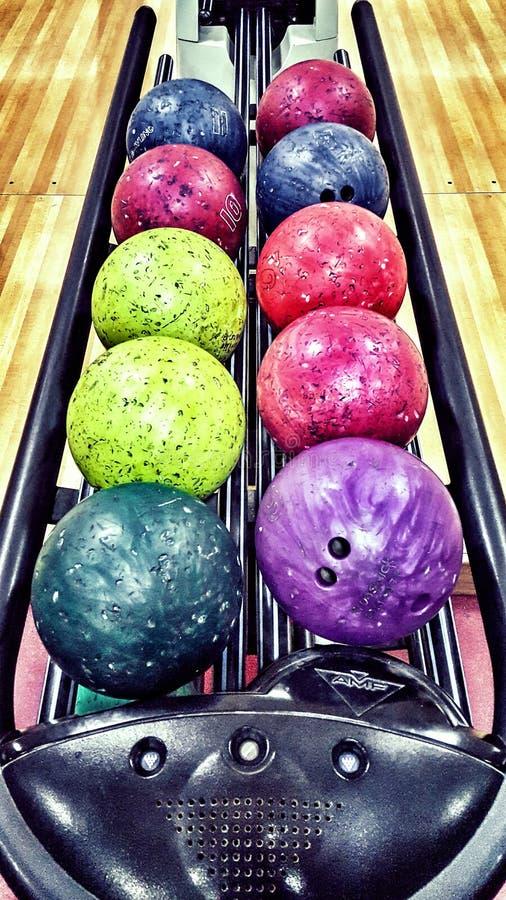 Bollar för att bowla leken arkivfoton