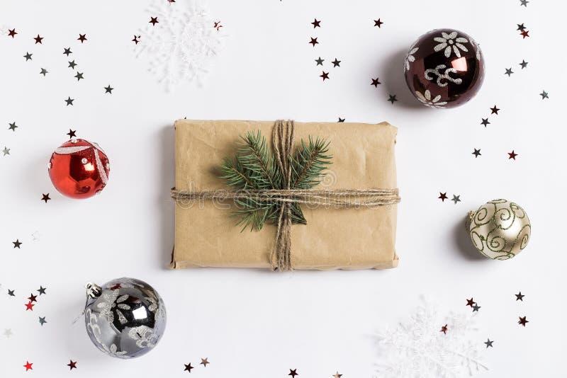 Bollar för frunch för ask för gåva för julgarneringsammansättning blänker prydliga stjärnor arkivfoto