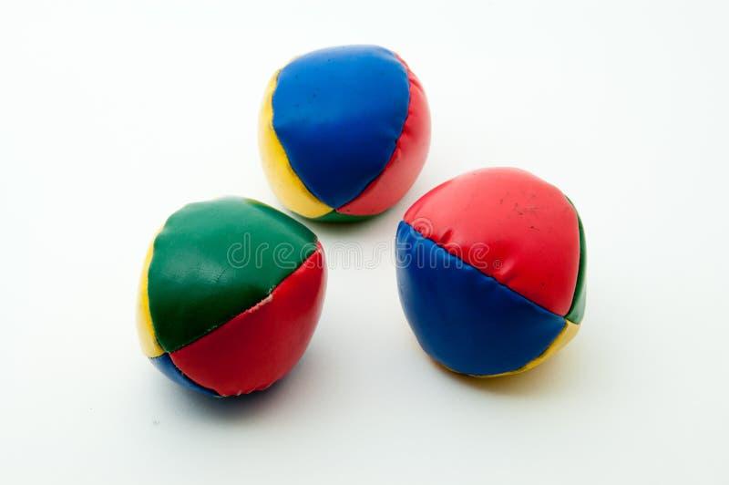 bollar jonglerar fotografering för bildbyråer