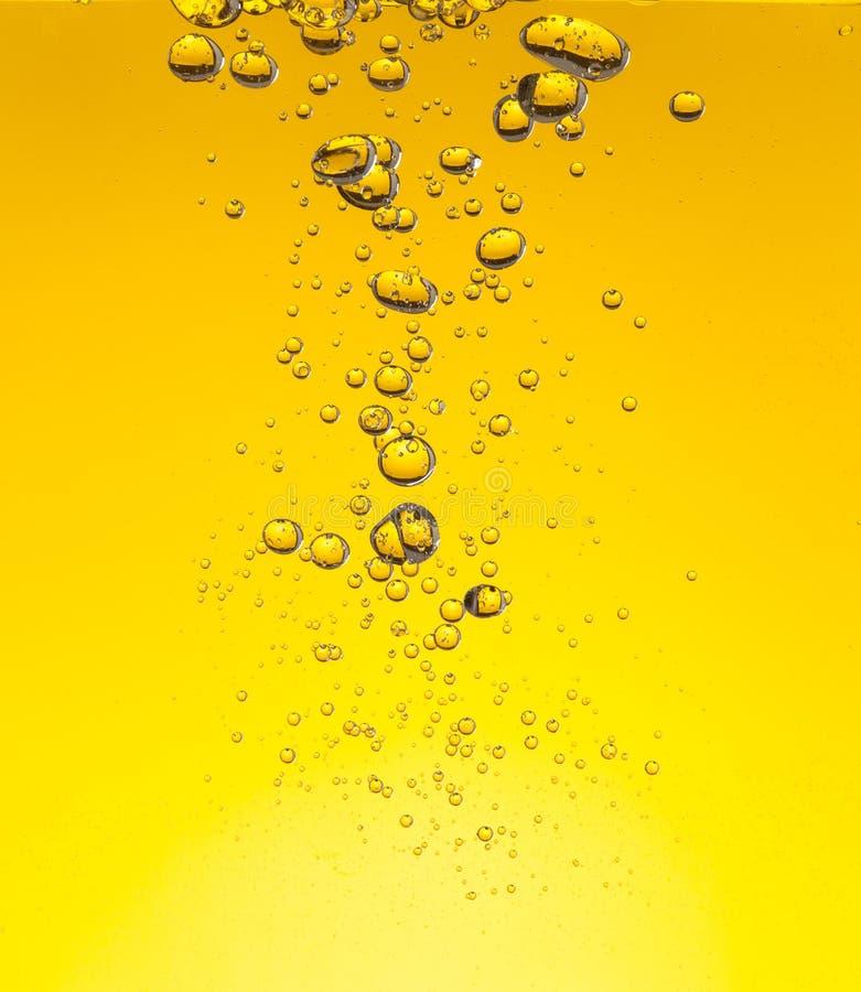 Download Bolle dell'olio in acqua immagine stock. Immagine di estratto - 55365807