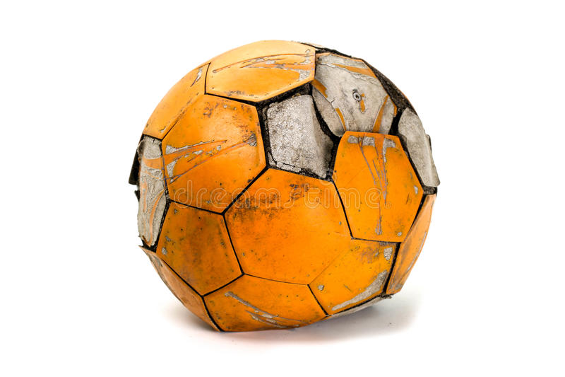 bollen deflaterade gammal fotboll fotografering för bildbyråer