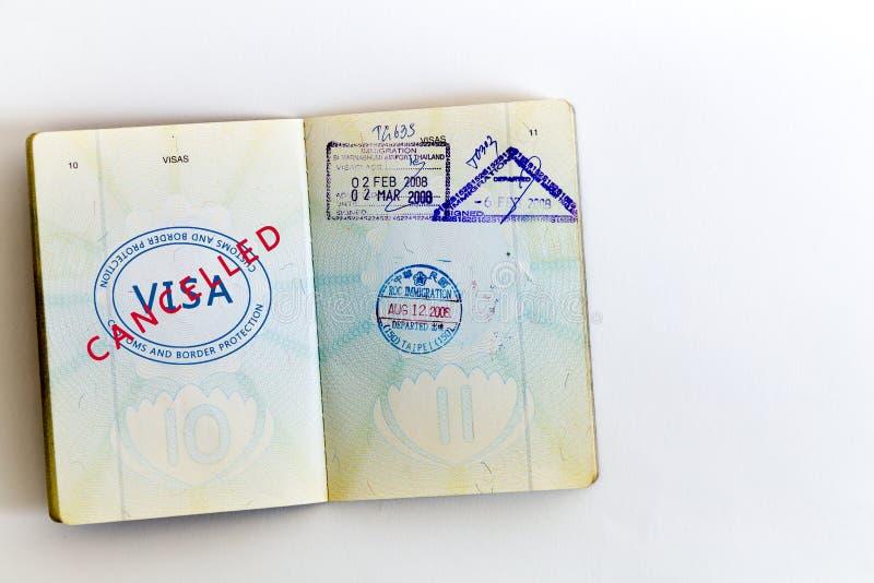 Bollo annullato visto in passaporto immagini stock