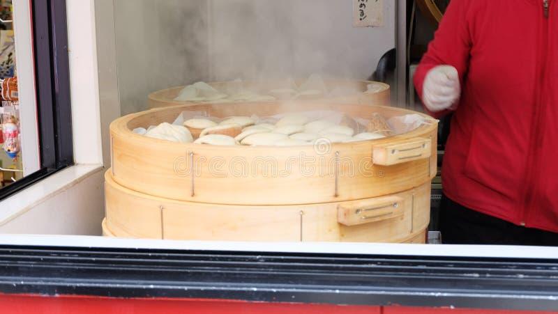 Bollo cocido al vapor del cerdo en Japón fotografía de archivo