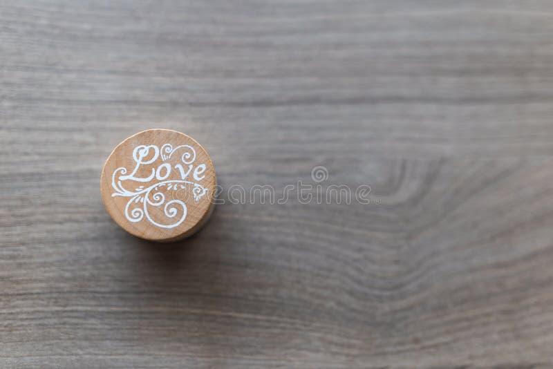 Bollo di legno del ` di amore del ` fotografie stock