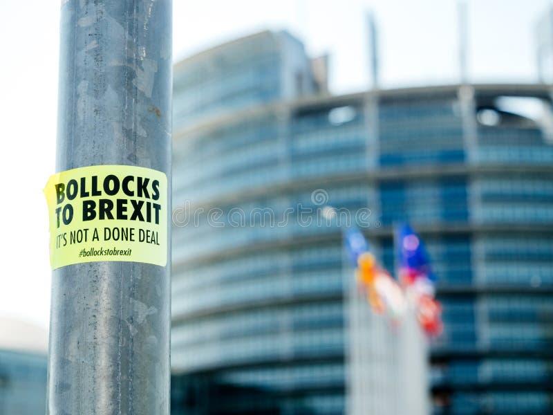 Bollocks a la etiqueta engomada de Brexit en el parlamento del polo de la placa de calle imagenes de archivo