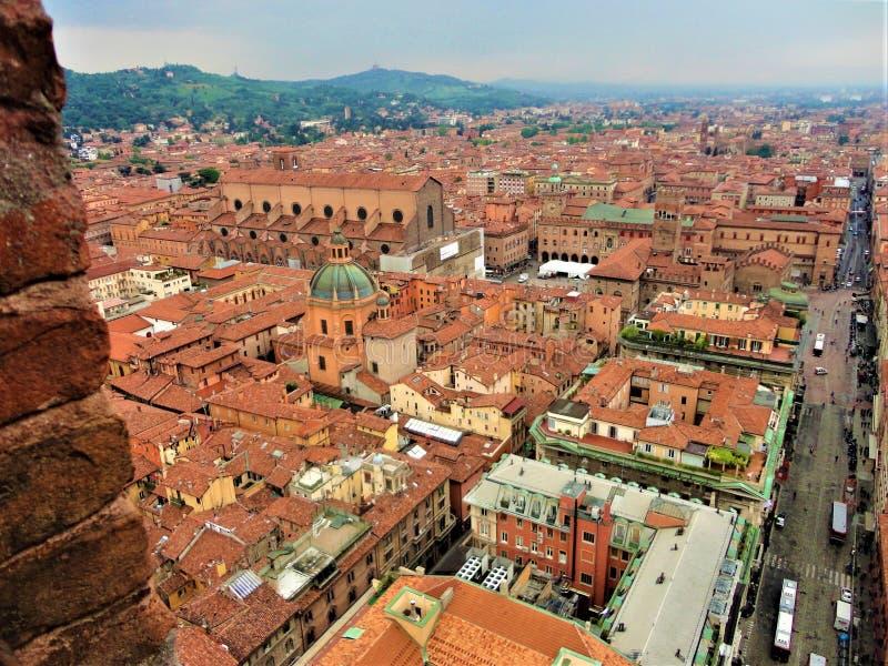 Bolońskie miasto z góry, Włochy Historia, czas, sztuka i piękno obraz royalty free