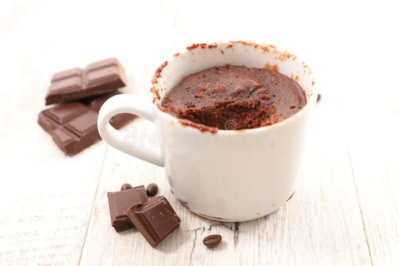 Bolo da caneca do chocolate imagem de stock royalty free