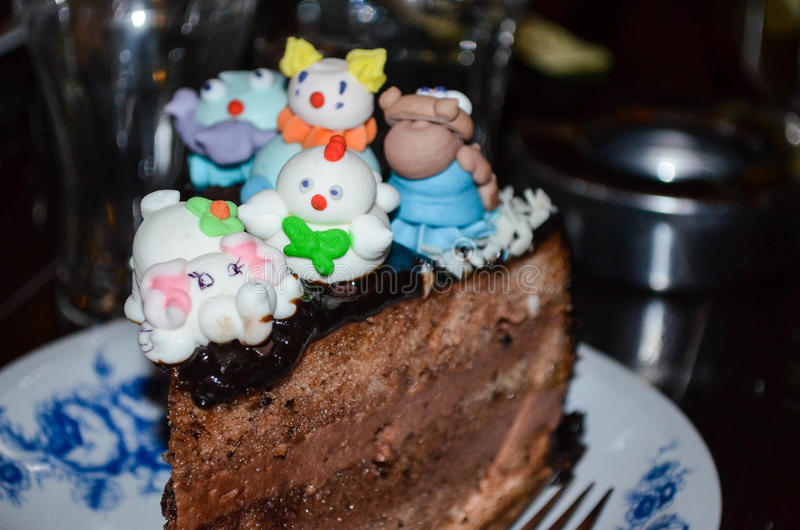 Bolo da festa de anos das crianças imagem de stock royalty free