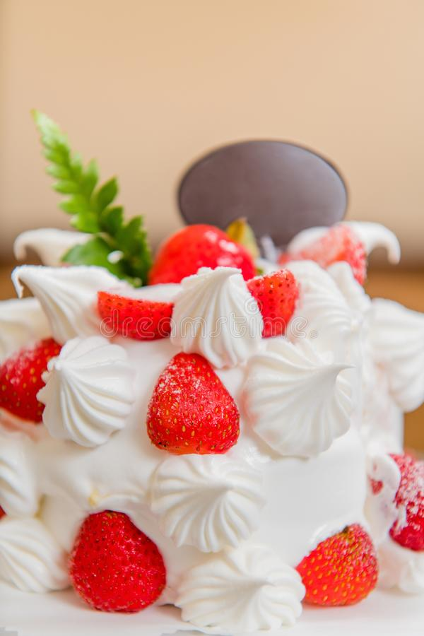 Bolo da morango, sobremesa, bolo de aniversário, o dia de mãe, festa de anos imagens de stock royalty free