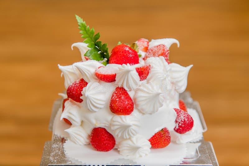Bolo da morango, sobremesa, bolo de aniversário, o dia de mãe, festa de anos fotos de stock