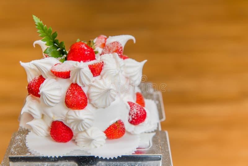 Bolo da morango, sobremesa, bolo de aniversário, o dia de mãe, festa de anos fotografia de stock royalty free