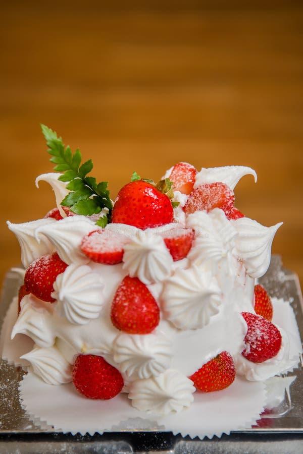 Bolo da morango, sobremesa, bolo de aniversário, o dia de mãe, festa de anos fotografia de stock