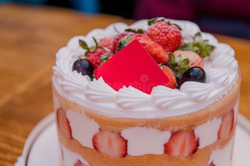 Bolo da morango, sobremesa, bolo de aniversário, o dia de mãe, festa de anos imagens de stock