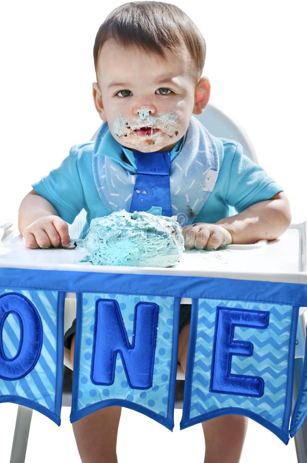 Bolo da quebra do aniversário do menino ø na cara imagens de stock