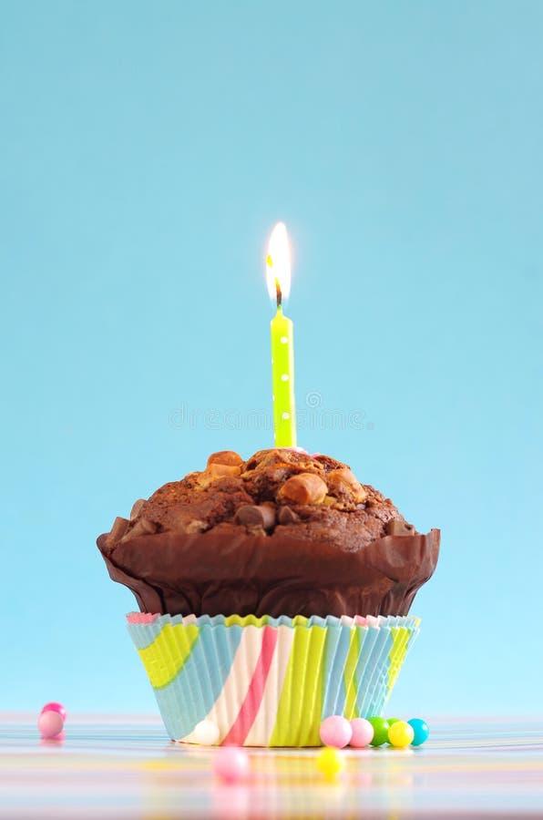 Bolo de aniversário azul fotografia de stock