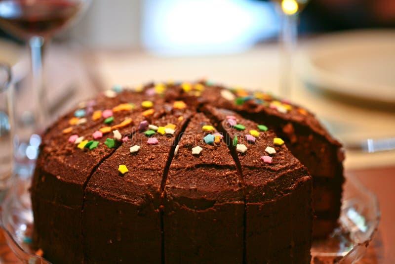 Bolo de aniversário do chocolate fotografia de stock