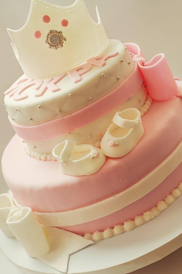 Bolo de aniversário para a rainha do bebê fotos de stock