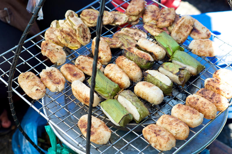 Bolo de arroz vietnamiano da banana imagens de stock royalty free