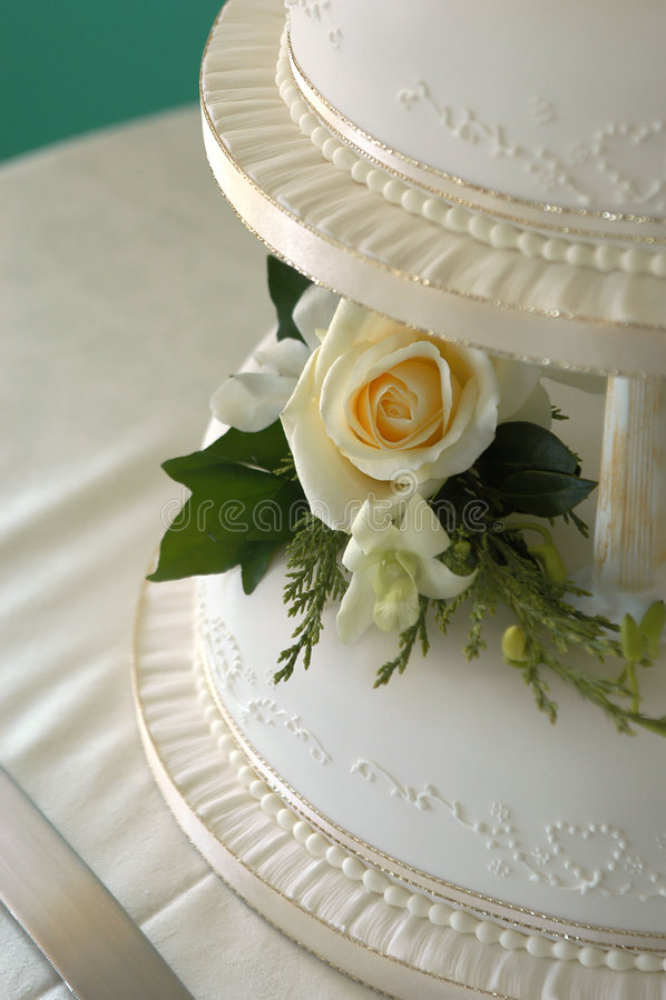 Bolo de casamento 2 fotos de stock