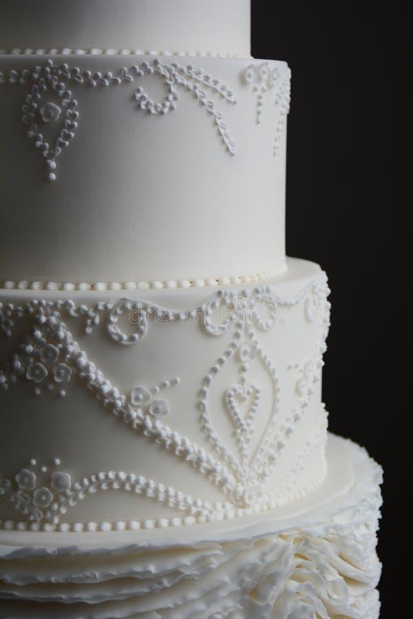 Bolo de casamento branco lindo imagem de stock