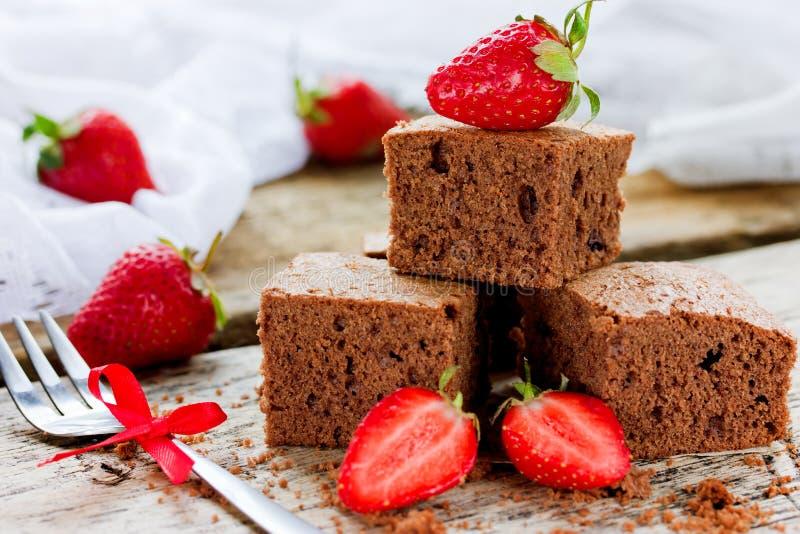 Bolo de chocolate com morango, culinária americana tradicional, a Dinamarca foto de stock
