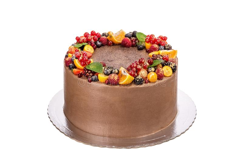 Bolo de chocolate delicioso feito do fruto e do creme Nos feriados fotos de stock