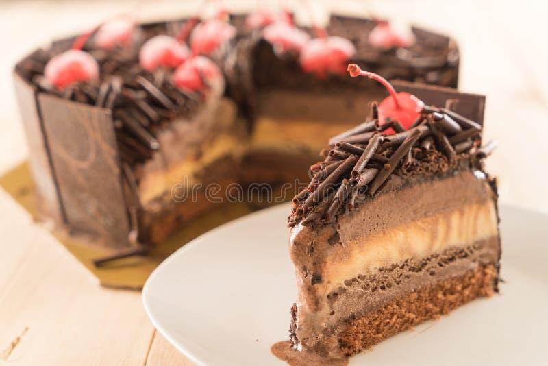 bolo de gelado do chocolate foto de stock