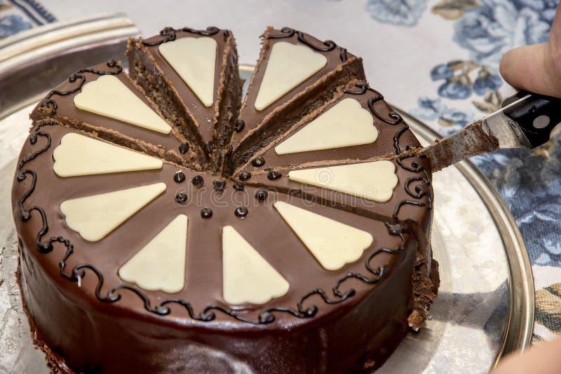 Bolo delicioso do sacher do chocolate imagem de stock
