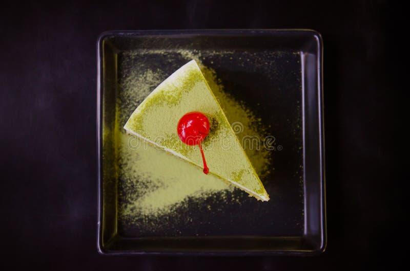 Bolo do chá verde de Matcha, chá e bolo foto de stock