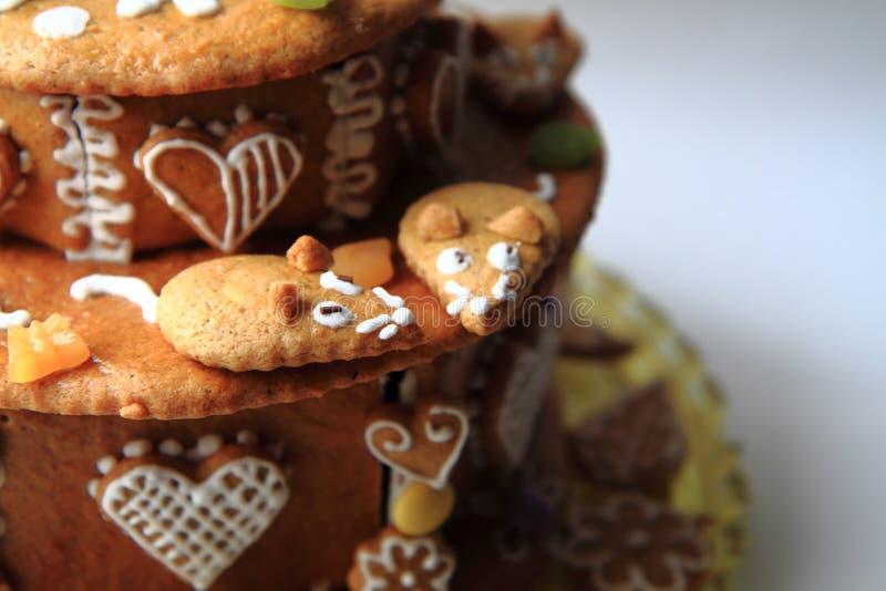 bolo do pão-de-espécie do aniversário foto de stock