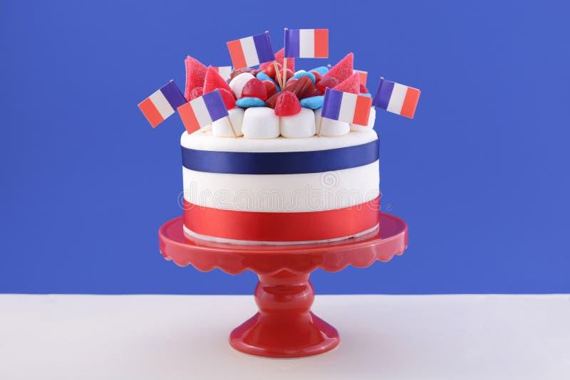 Bolo feliz da celebração do dia de Bastille foto de stock royalty free