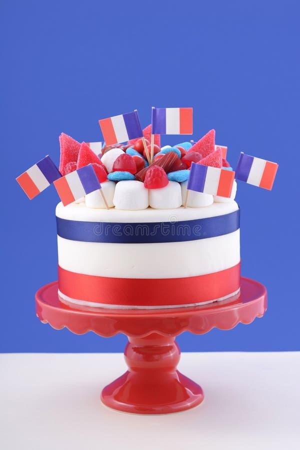 Bolo feliz da celebração do dia de Bastille foto de stock