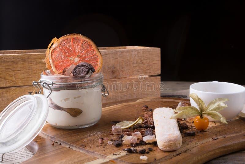 Bolo italiano da sobremesa imagens de stock