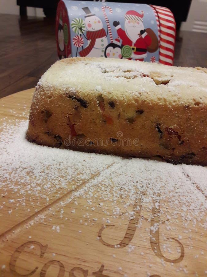 Bolo italiano tradicional da fruta pão do Panettone fotografia de stock royalty free