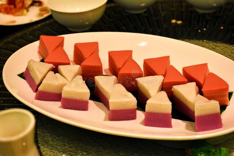 Bolo local como a sobremesa para o jantar em Kuching, Sarawak fotografia de stock