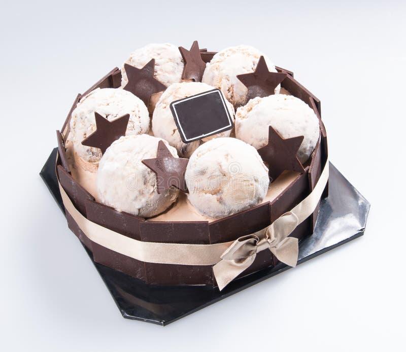 bolo ou bolo de aniversário em um fundo imagens de stock royalty free