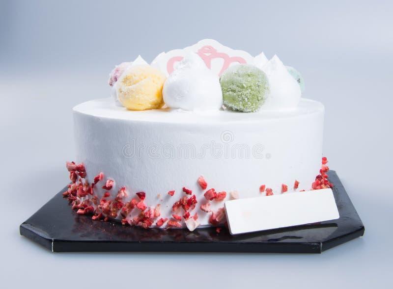 bolo ou bolo de aniversário em um fundo imagens de stock