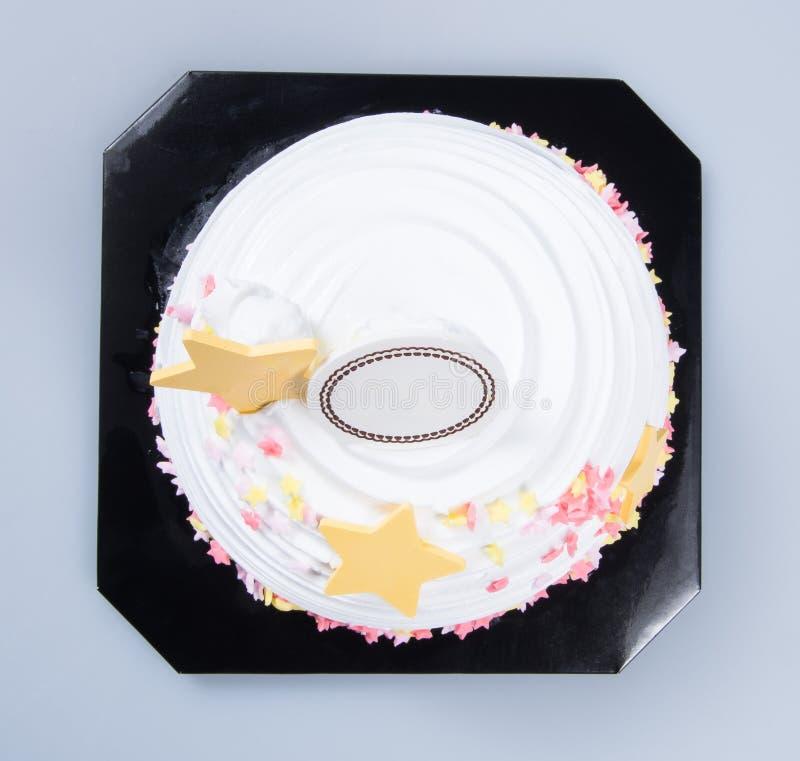 bolo ou bolo de aniversário em um fundo fotografia de stock royalty free