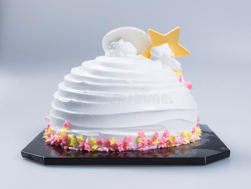 bolo ou bolo de aniversário em um fundo fotos de stock royalty free