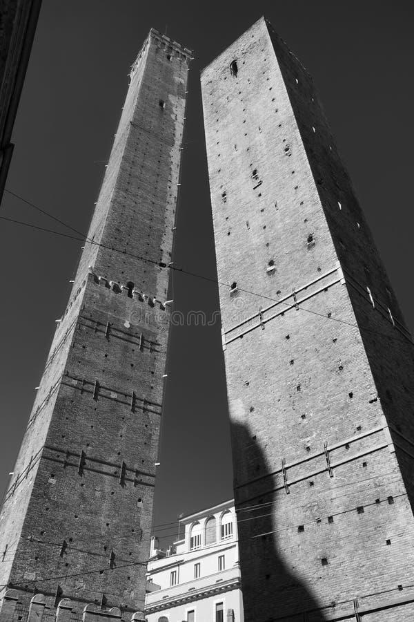 Bologna, die zwei Türme stockfotos