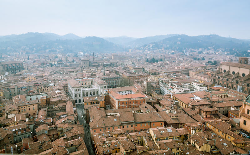 Bologna från det Asinelli tornet arkivbilder